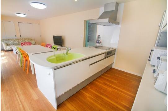 キッチンです。IHコンロが2口あります。