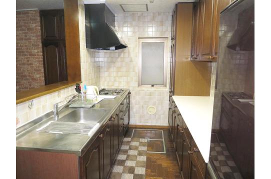 キッチンも広々として使い勝手もいいですよ!