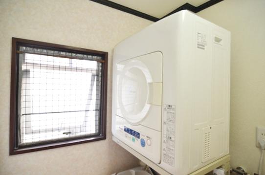 乾燥機は有料(1時間100円)