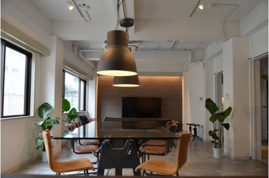 デザイン性高い家具を揃えています。