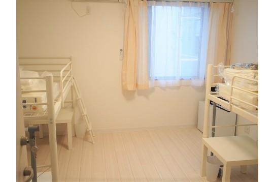 205号室のドミトリーのお部屋です