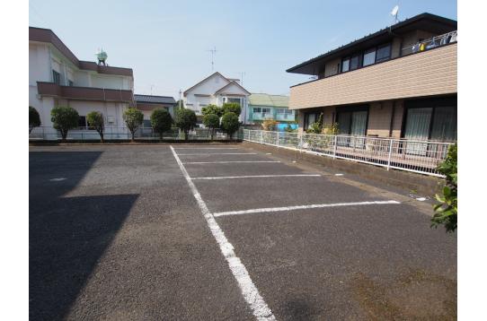 シェアハウスには珍しい駐車場完備!