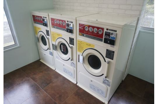乾燥機も同じく3台。