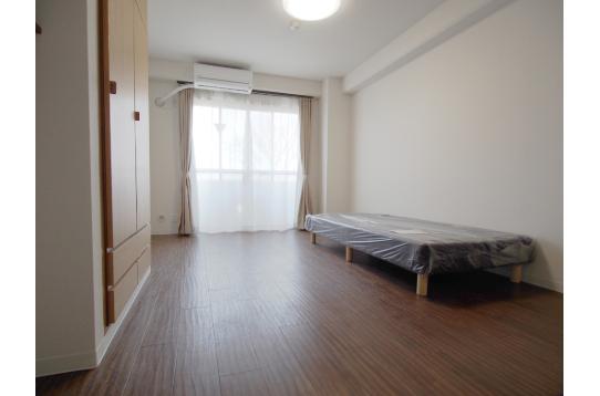 家具無しのお部屋もあります。