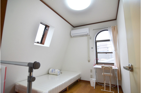 素敵なデザインの窓がある個室(303号室)