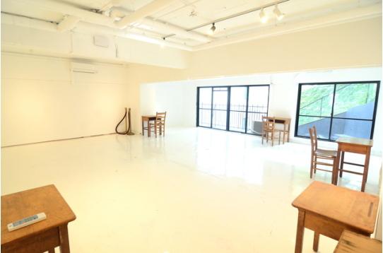 絵画等を展示できるスペースもございます