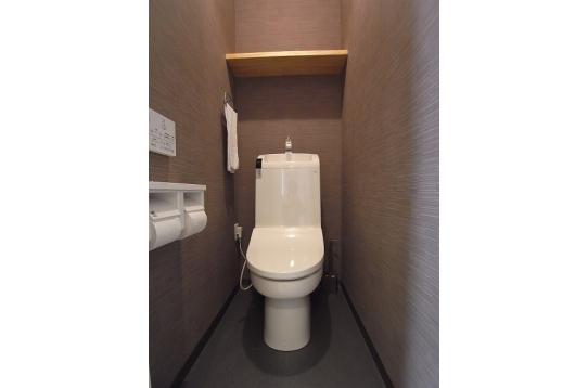 ウォシュレット付き自動洗浄トイレ。4ヶ所あります