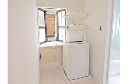 1階と2階にそれぞれ洗面台を完備