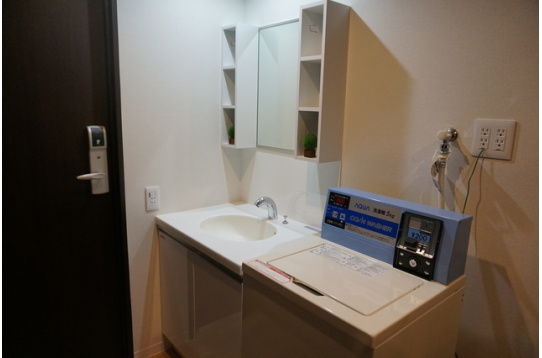 洗面、洗濯機、乾燥機も各階にあります