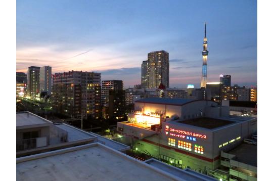 東京スカイツリーが目の前です