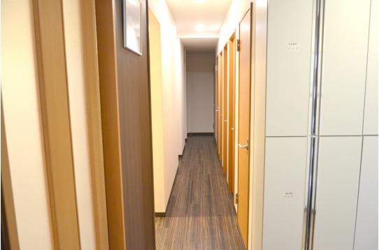 1F廊下の様子。