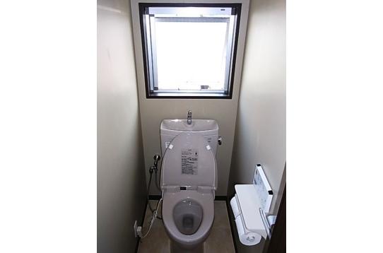 トイレは1階と2階の2ヶ所にあります