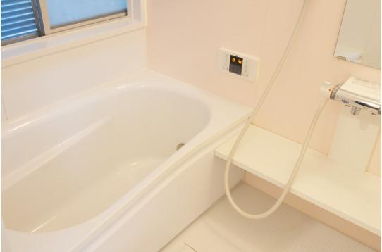 1階にはゆったり浸かれるお風呂