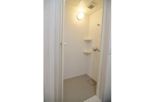 2階にシャワーもあるので混まずに使えます。