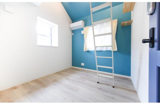 203号室:ブルーのお部屋って落ち着きます