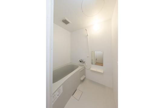 シャワールームと浴室がございます☆