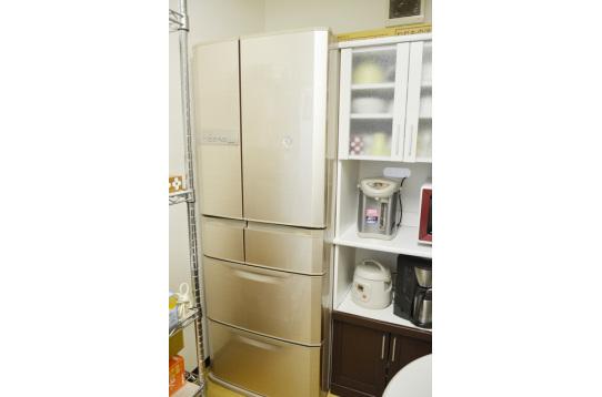 大型冷蔵庫です。