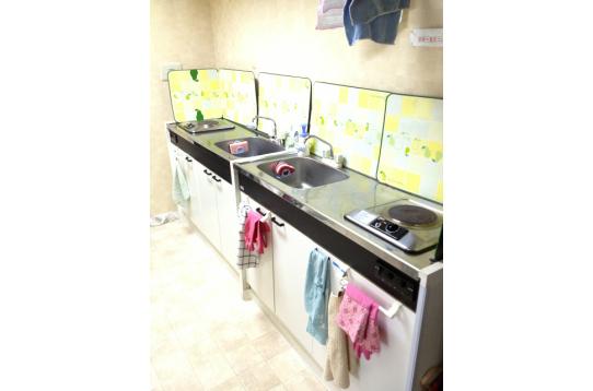 2階キッチン (IHと電気コンロ)