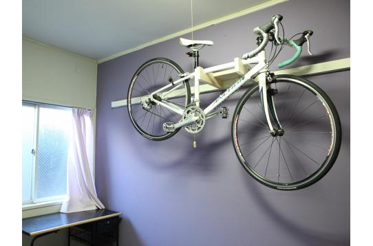 室内(自転車用ラック)