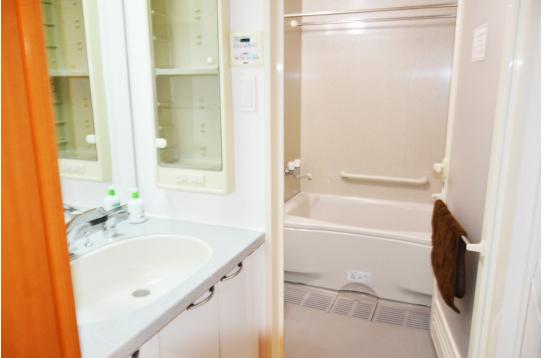 バスタブ付き浴室です!