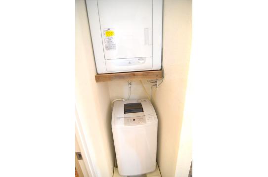 洗濯機と乾燥機です