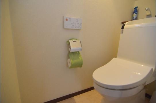 トイレはハウスに2ヶ所あります