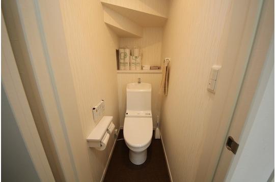 ウォシュレット付きの洋式トイレが2か所あります。