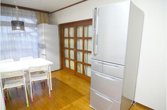 共有の冷蔵庫は大容量です