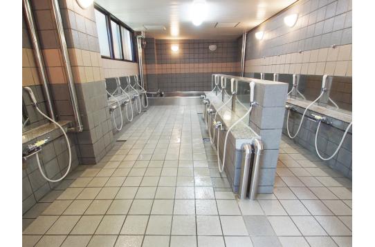 大浴場は男女入れ替え制。