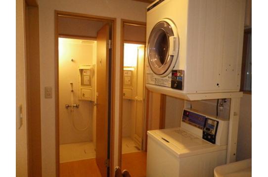 ☆ランドリー☆オープン→シャワー室