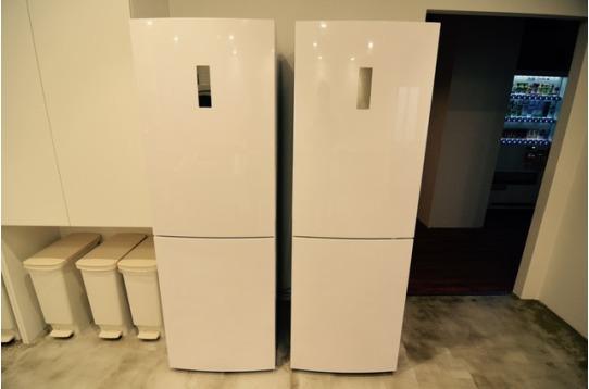 各階ごとの共用冷蔵庫。