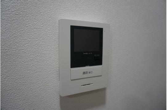 インターホンは映像で来訪者が確認できます。