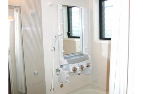 共用のシャワーブース ミストシャワー
