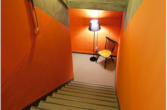 地下へと続く階段です。