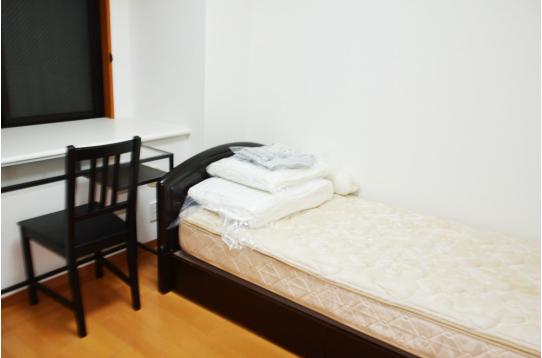 家具、布団一式完備です!
