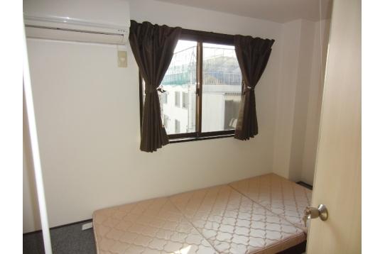 201・301・401号室 南向きのお部屋です