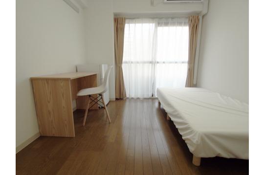 南側のお部屋はベランダ付き。
