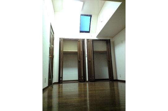 個室302