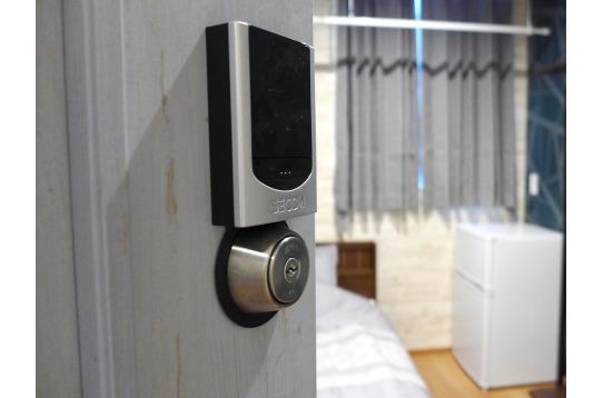 個室はセコムのカードキー。