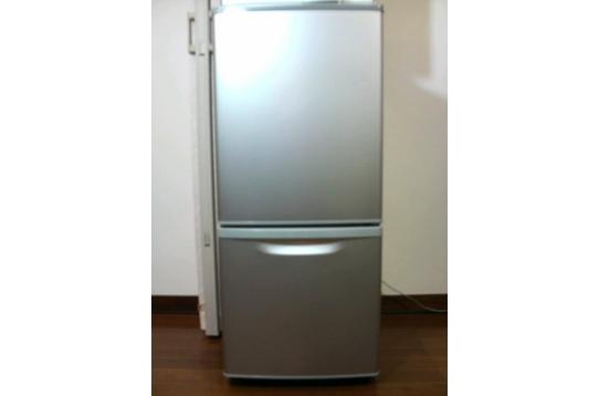 入居者が増えるごとに冷蔵庫を増やしていきます。