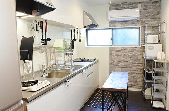 広々した作業台が魅力のキッチン