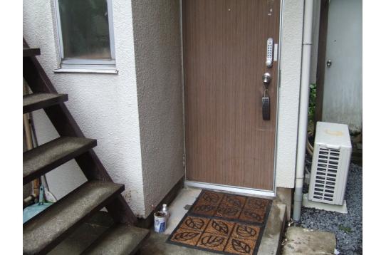 1階の玄関ドア