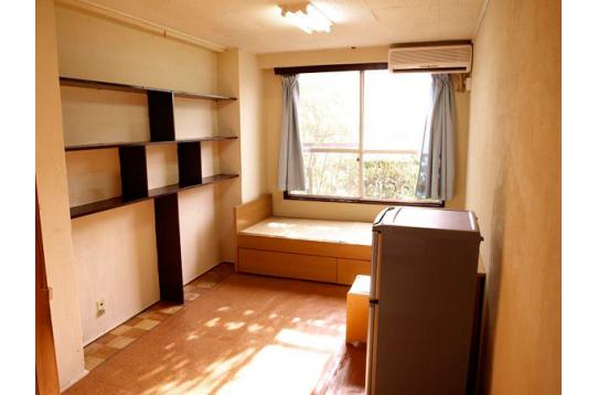 ●日の当たる広々全室6畳以上10畳標準個室。