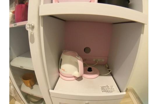 白とピンクに統一しています