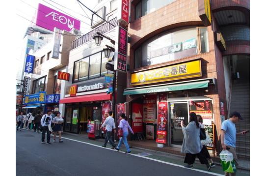 東武練馬駅前の様子