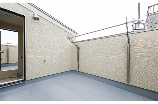 3Fにある屋上は外から見えないプライベート空間!