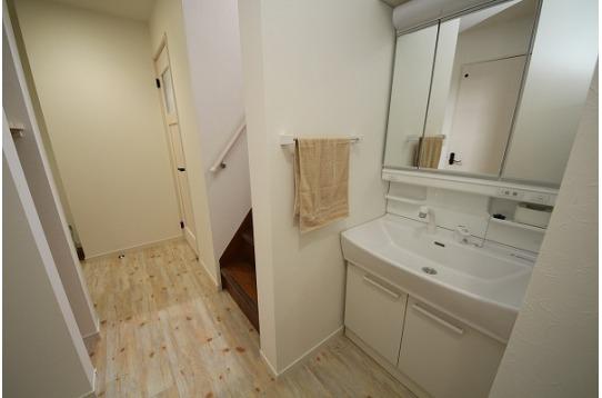 広い洗面台も2ヶ所あります。
