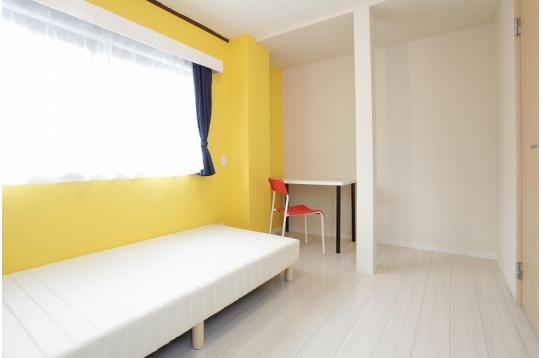 201号室(ベランダ付)。2F角部屋。5畳