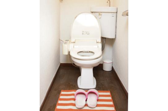 トイレは温水便座付きです