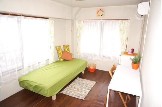 ●部屋うちは全室個室6畳以上でエアコンも完備。